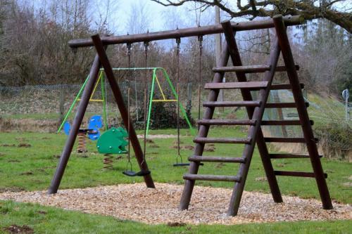 childrens-playground-1274566_1280
