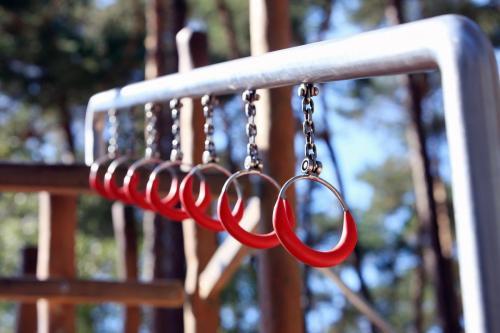 childrens-playground-2154556_1280